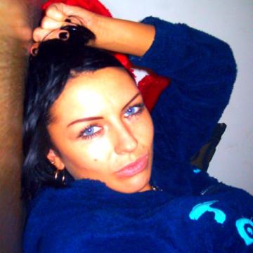 Mia Wallace, 29, Istanbul, Turkey