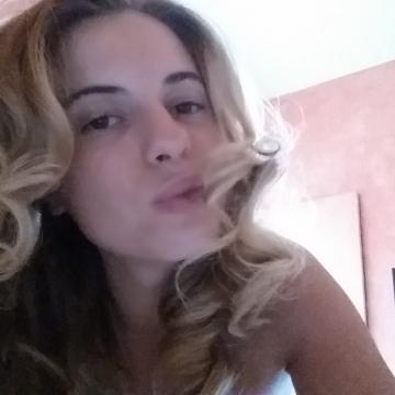 ana, 24, Rome, Italy