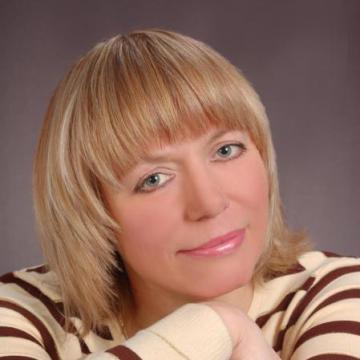 Elena, 43, Mariupol, Ukraine