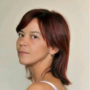 Ioulia Karavaeva, 42, Athinioi, Greece