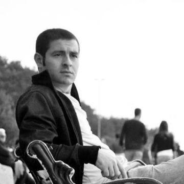 Inanç Kurt, 30, Istanbul, Turkey