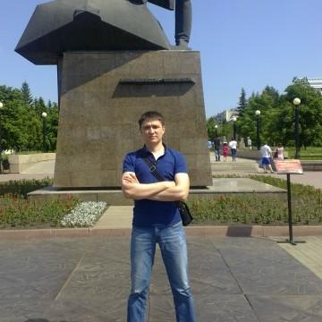 *, 31, Chelyabinsk, Russia