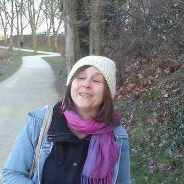 Isabelle Corbet, 54, Paris, France