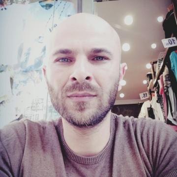 Serkan Pulat, 40, Izmir, Turkey