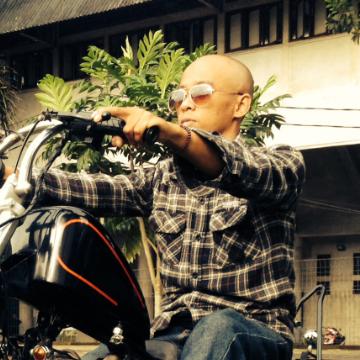 Ricky Baik, 37, Bandung, Indonesia