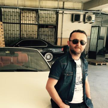 Akın, 38, Istanbul, Turkey