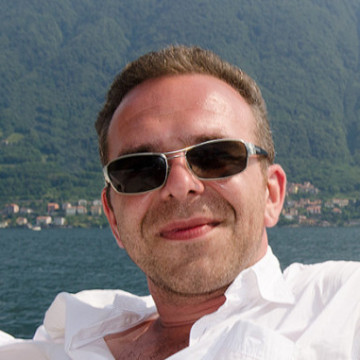 Andrey Shapovalov, 42, Frankfurt am Main, Germany