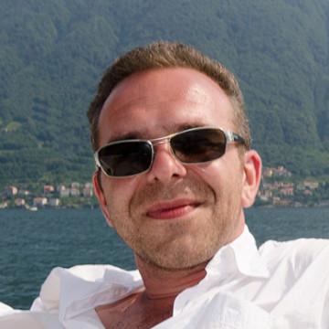 Andrey Shapovalov, 42, Frankfurt am Main, Germany
