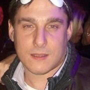 roberto, 42, Genova, Italy