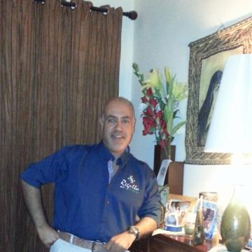Raymond, 51, Doha, Qatar
