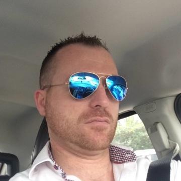 Dave Glennon, 39, Dubai, United Arab Emirates