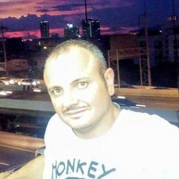 Fabio Romano, 35, Napoli, Italy