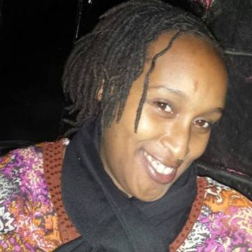 Flo, 37, Nairobi, Kenya