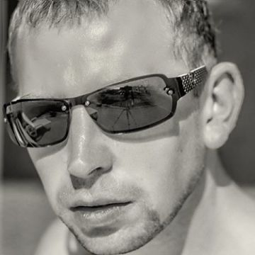 Edmond Santirs, 34, Adeje, Spain