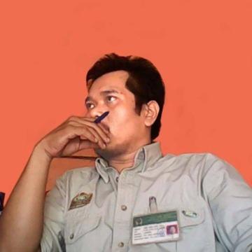 Genta Frasetya, 32, Jakarta, Indonesia