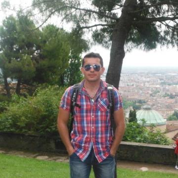 Vlad, 38, Leghorn, Italy