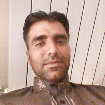 Nadeem Bhatti, 32, Grosseto, Italy