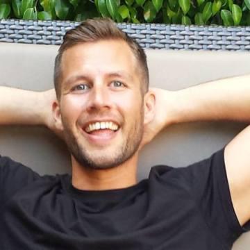 Mattheeww Houston, 34, Lens, Belgium