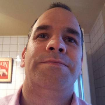 Mario Mar, 42, Madrid, Spain