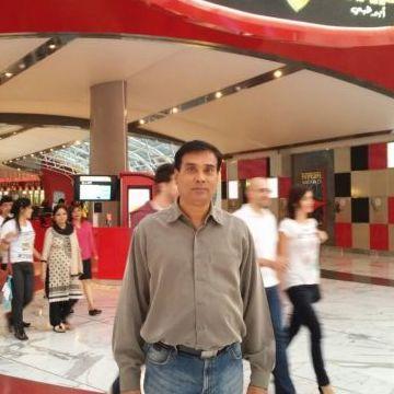 Juzer, 56, Dubai, United Arab Emirates