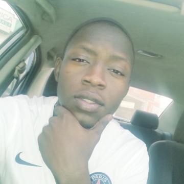 modibo, 23, Bamako, Mali