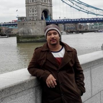 Abdullah , 36, Muscat, Oman
