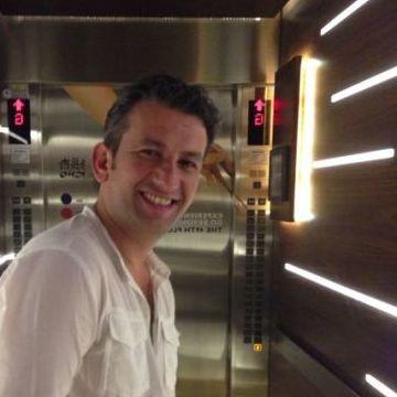 Satoor Satoorios, 39, Dubai, United Arab Emirates