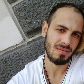 Sezgin Gülmüş, 27, Izmir, Turkey