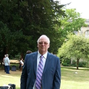 Roger, 70, Farnham, United Kingdom