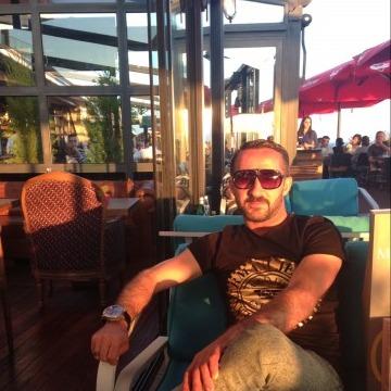 İbrahim Narin, 33, Izmir, Turkey