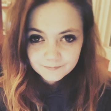 Chloe, 20, Lyons, France