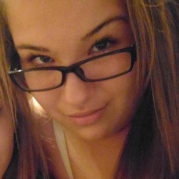 Elena Dorostolska, 19, Varna, Bulgaria