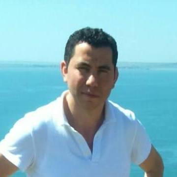 Engin Güvenç, 40, Istanbul, Turkey