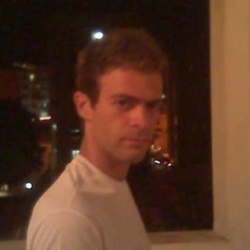 Leonardo Vinícius, 28, Salvador, Brazil