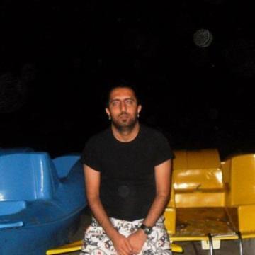 Ozgur, 34, Istanbul, Turkey