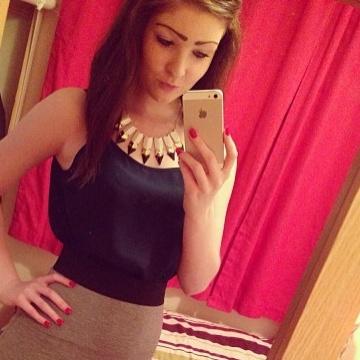 Emily Bunce, 20, Kuwayt, Kuwait