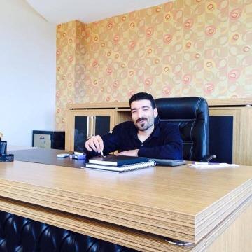 Engin, 32, Istanbul, Turkey