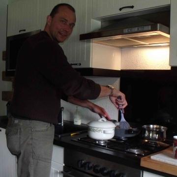 David perkins  , 59, Istanbul, Turkey