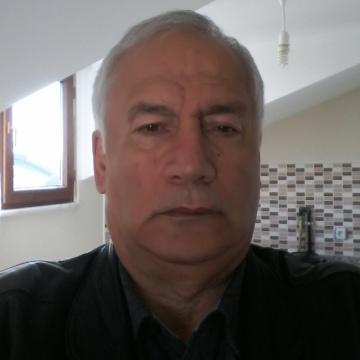 Kadir Doğu, 58, Istanbul, Turkey