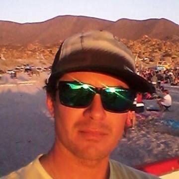Felipe Araya, 33, Valparaiso, Chile