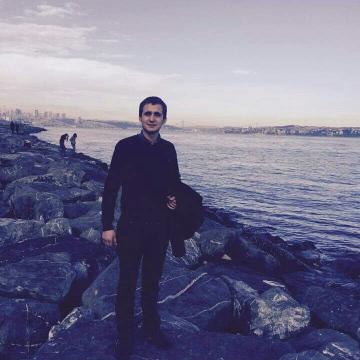 Özer, 22, Istanbul, Turkey