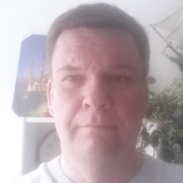 Petri, 44, Helsinki, Finland