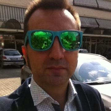 Gabriele , 40, Viareggio, Italy