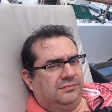 MAx, 43, Milano, Italy