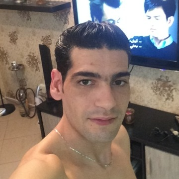 Moneem, 33, Dubai, United Arab Emirates