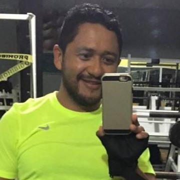 samuel escobar, 36, Cancun, Mexico