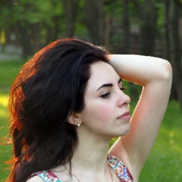 Julia, 22, Donetsk, Ukraine