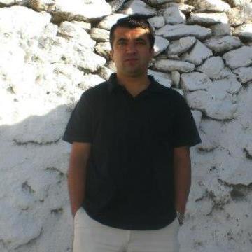 Bilal Güzel, 32, Izmir, Turkey
