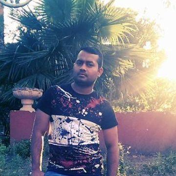 Shahid Munshi, 31, Napoli, Italy