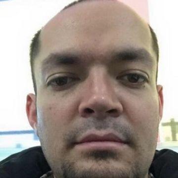 Héctor Enríquez, 35, Bogota, Colombia